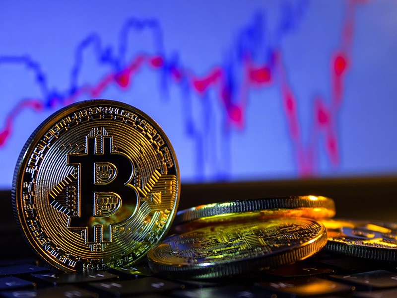 Bitcoin futures threaten to collapse its exchange rate?